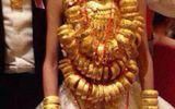 Chuyện bi hài: Chị chồng tặng vàng giả trong đám cưới, còn khoe khắp nơi
