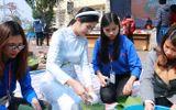 Hoa hậu Ngọc Hân tham gia gói bánh cùng thầy trò trường Đại học Đại Nam
