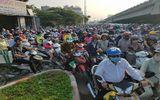 Bến xe Miền Đông ùn tắc kéo dài hàng km dù chưa cận Tết