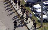 Xả súng kinh hoàng tại trường trung học Mỹ, 17 người chết