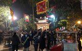 Sau thời khắc giao thừa Tết Mậu Tuất, người dân cả nước đi lễ chùa đầu năm