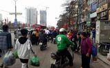 Người dân ùn ùn kéo về Hà Nội sau kỳ nghỉ Tết Mậu Tuất