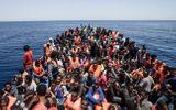 Hải quân Libya giải cứu hơn 400 người di cư đang trôi dạt trên biển
