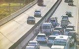 Tin tức - 5 ôtô tông liên hoàn trên cao tốc gây ùn tắc kéo dài