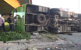Tin trong nước - Xe tải biến dạng sau va chạm với xe khách, 2 người bị thương nặng
