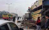 """Tin trong nước - Hưng Yên: Xe tải """"điên"""" đâm sập 4 nhà dân ven đường"""