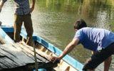 Phát hiện thi thể người đàn ông nổi trên sông
