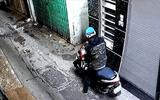 Camera ghi hình thanh niên bẻ khóa, trộm xe tay ga nhanh như chớp