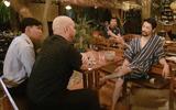 Sau khi bị từ chối, võ sư Flores đã gặp được Johnny Trí Nguyễn