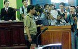 Báo chí chụp ảnh tại tòa có cần xin phép bị cáo hay không?