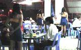 Nữ nhân viên quán nhậu bị ép đóng 20.000 đồng mỗi lần tiếp khách