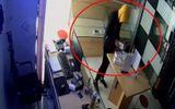 """Hà Nội: """"Đạo chích"""" đột nhập cửa hàng, trộm nhiều điện thoại và laptop"""