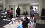 Tin tức - Sau vụ cháy chung cư Carina Plaza, dân vạ vật tìm chỗ ngủ qua đêm