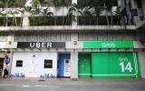"""Thương vụ Uber """"bán mình"""" cho Grab bị điều tra do nghi ngờ vi phạm luật cạnh tranh"""