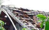 """Mưa đá, lốc xoáy """"càn quét"""" Nghệ An, 149 ngôi nhà bị hư hỏng"""