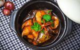Trời se lạnh chế biến món cá kho tộ cho bữa cơm trưa