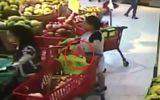 Tin tức - Camera ghi hình bà bầu thản nhiên trộm ví trong siêu thị ở Hà Nội