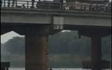Tin tức - Nam thanh niên lao mình xuống sông cứu cô gái nhảy cầu tự tử
