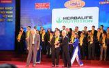 """Herbalife Việt Nam nhận danh hiệu """"Thương hiệu thực phẩm bổ sung dinh dưỡng hàng đầu"""" tại Giải thưởng Rồng Vàng năm 2018"""
