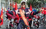 """Hoa hậu H'Hen Niê hào hứng """"đua"""" xe đạp cùng các bạn trẻ trong ngày 30/04"""