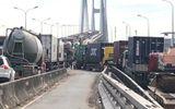 Clip: Cầu Phú Mỹ ùn tắc nhiều giờ sau vụ va chạm liên hoàn giữa 5 ôtô