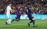 Barcelona 2-2 Real Madrid: Messi, C.Ronaldo cùng chói sáng