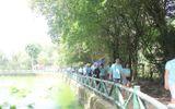 Dòng người đội nắng về Làng Sen kỷ niệm ngày sinh Bác Hồ