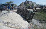 Vụ lật tàu ở Thanh Hóa: Tạm giữ hình sự 2 nhân viên gác barie
