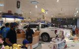 Tin tức - Video: Hãi hùng nữ tài xế ô tô bán tải Ford Ranger tông thẳng vào nhà sách