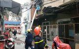 Tin tức - Sài Gòn: Chung cư bốc cháy dữ dội, mẹ già và con trai bị tai biến mắc kẹt