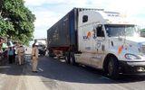 Tin tức - Người dân cắt cabin, giải cứu tài xế xe tải bị mắc kẹt