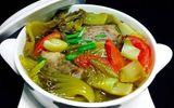 Cách nấu canh cá dưa chua thơm ngọt cho bữa trưa nắng nóng