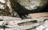 Tin tức - Bí ẩn vách núi với hàng trăm quan tài làm bằng thân cây