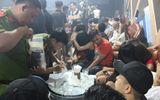 """Cảnh sát đột kích quán bar, phát hiện nhiều """"dân chơi"""" dương tính với ma túy"""