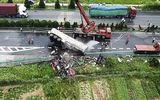 Tai nạn kinh hoàng tại Trung Quốc: Xe khách đấu đầu xe tải, 18 người thiệt mạng
