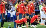 Video: Tây Ban Nha thua trận, CĐV thay áo ngay trên khán đài chuyển sang cổ vũ Nga