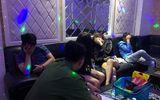 """""""Đột kích"""" quán karaoke ở Sài Gòn, bắt quả tang 16 nam nữ phê ma túy"""