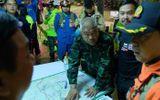 Đội bóng Thái Lan mắc kẹt trong hang: Thợ lặn hiến kế dùng thuốc mê