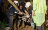 """Nhân viên cứu hộ đội bóng Thái Lan được ví như những """"siêu anh hùng"""""""