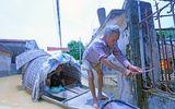 Tin tức - 180 hộ dân Hà Nội vẫn phải bơi xuồng từ nhà ra ngõ vì cơn mưa 2 ngày trước
