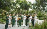 Dàn Hoa hậu, Á hậu tặng sách, biểu diễn văn nghệ cùng các chiến sĩ Tây Ninh