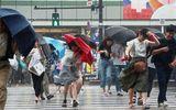 Siêu bão Jongdari đổ bộ Nhật Bản: 19 người bị thương, 100 chuyến bay bị hoãn lại