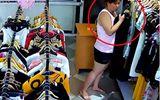 """Video: """"Nữ quái"""" vờ mua đồ rồi cuỗm iPhone"""