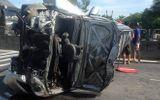 Tin tai nạn giao thông mới nhất ngày 4/8/2018: Phá cửa ôtô, cứu 3 người mắc kẹt trong xe bị lật