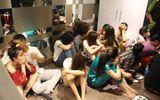 """Hàng chục thanh niên nam nữ mở """"tiệc ma túy"""" trong căn hộ chung cư"""