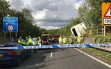 Tin thế giới - Em bé cất tiếng khóc chào đời ngay tại hiện trường vụ tai nạn lật xe khách ở Anh
