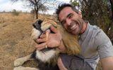 Video: Thú vị khoảnh khắc sư tử làm nũng không khác nào mèo cảnh