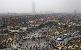 Tin tức - Nợ nần nhấn chìm biểu tượng thịnh vượng số 1 của Trung Quốc
