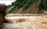 Thanh Hóa: Sau mưa lũ, phát hiện 2 thi thể nam giới đang phân hủy trôi dạt trên sông Mã
