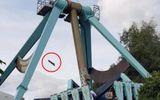 Tin tức - Mảnh ghế đu quay văng xa từ độ cao 20 mét khiến người xem thót tim